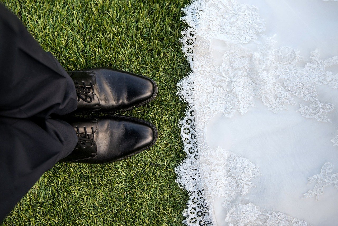 bride, groom, matrimony-690292.jpg